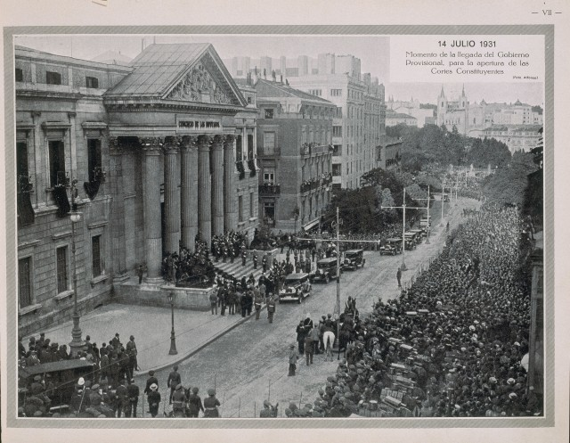Madrid: Congreso de los diputados. Bibliografia fotografia 14 July 1931. Arrival of the provisional government for the opening of the constituent courts.